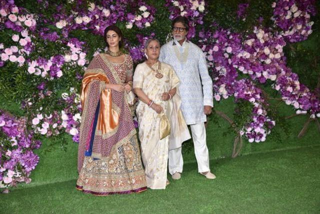 Karan Johar Aishwarya Rai And Hardik Pandya Dance it Out Akash Ambani's Wedding
