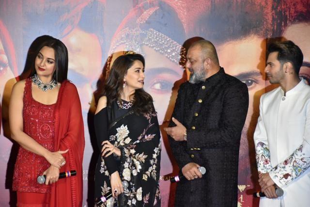 Kalank teaser launch: Varun Dhawan carries Alia Bhatt in ...