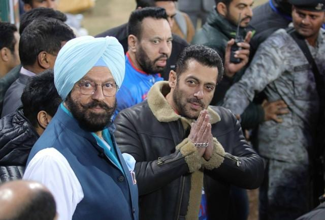 Salman Khan: 'I'm Surviving On Mediocre Talent And Luck', Shah Rukh Khan And Aamir Know Their Craft'