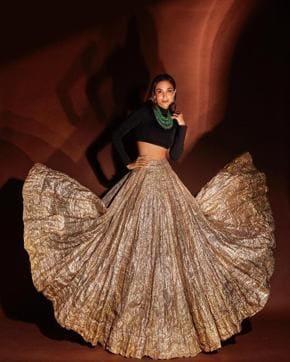 Sara Ali Khan, Ananya Panday, Priyanka Chopra: Fashion Hits And Misses For This Week