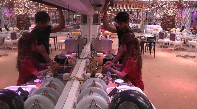 Bigg Boss 13 Episode 46 November 15: Why Is Sidharth Shukla Flirting With Devoleena Bhattacharjee?