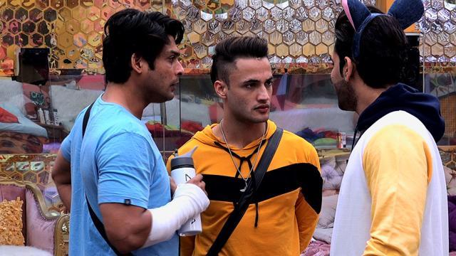 Bigg Boss 13 Update: Siddharth Shukla Ties To Play Cupid Between Shefali Bagga And Arhaan Khan, Rashami Gets Into A Fight