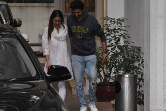 Sara Ali Khan, Kartik Aaryan Get Clicked Together Post Dubbing Session For Aaj Kal Amid Breakup Rumours
