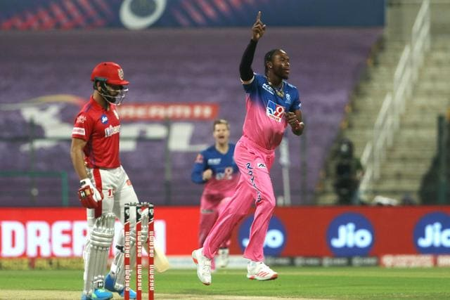 KXIP lost their first wicket in the opening over itself when Mandeep Singh got dismissed for a first-ball duck with Ben Stokes taking a brilliant diving catch off an equally superb delivery by Jofra Archer.