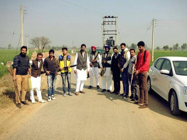 This picture is posted as 'Jalandhar's Lahoria group' on the Facebook page titled 'Gounder Gang' showing young boys flaunting weapons.