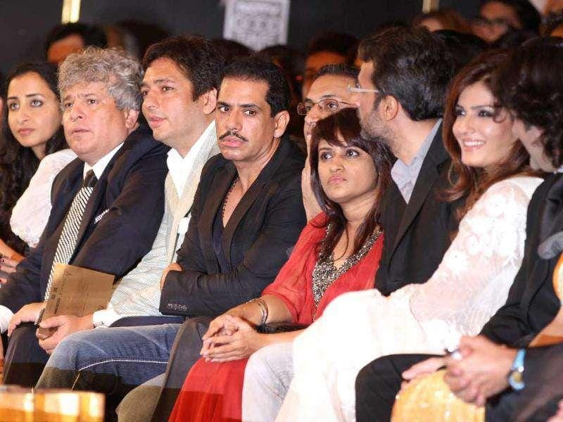 Front row was heavy on B-town celebs like Fardeen Khan with his wife Natasha, Dino Morea, Zayed Khan, Rahul Khanna, Soha Ali Khan, Raveena Tandon with hubby Anil Thadani and Sophie Chaudhary.