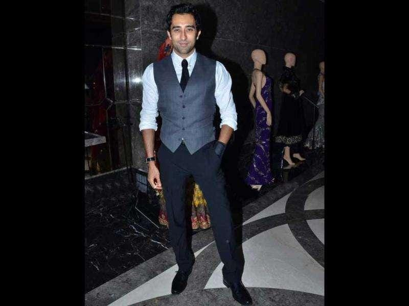 Actor Rahul Khanna, looking dashing in semi-casual attire, was also spotted for Manav Gangwani's show.