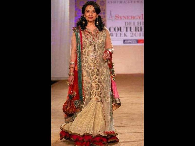 Epitome of grace and beauty, Sharmila Tagore walked the ramp for designer duo Ashima-Leena.