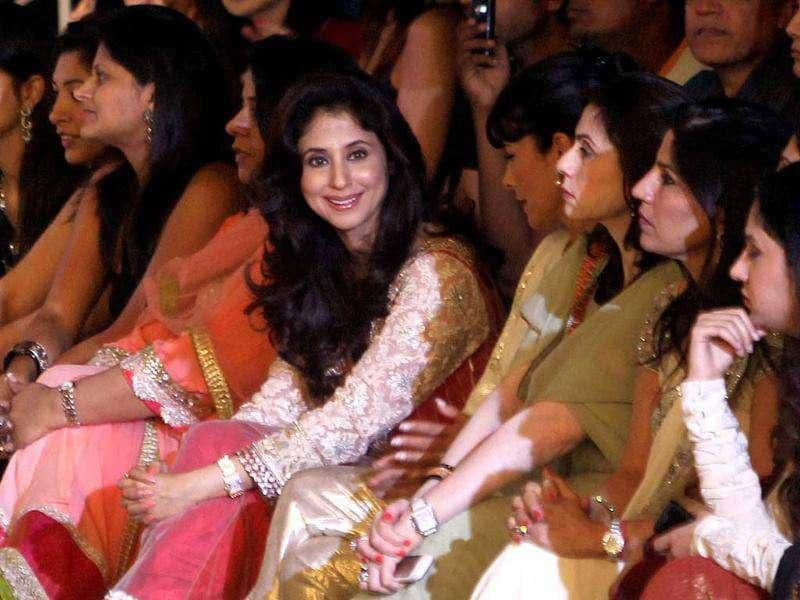 Urmila Matondkar cheered from the front row during designer Manish Malhotra's show at the Synergy1 Delhi Couture Week 2011. (PTI)
