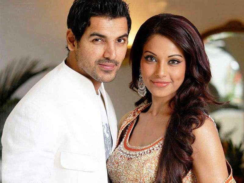 John apologises, Bipasha uspet: While Bips has moved on, John Abraham is still hoping for a patch-up. Bipasha is however upset with her ex-beau for talking about relationship that was long over.