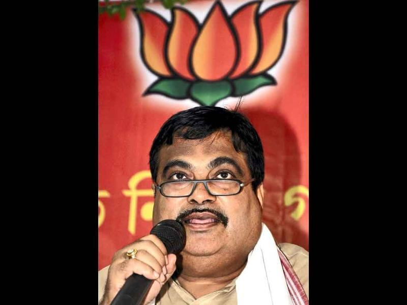 BJP National President Nitin Gadkari addressing a press conference in Guwahati.