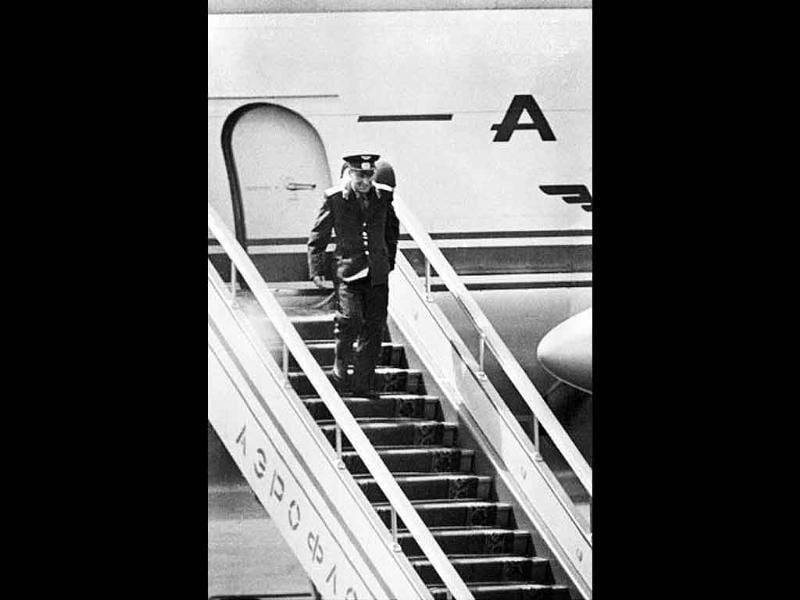 Soviet cosmonaut Gherman Titov arrives at Moscow airport after the Vostok 2 space mission, on August 09, 1961. Guerman Titov became the first astronaut to spend a full day (25.3 hours) in space.