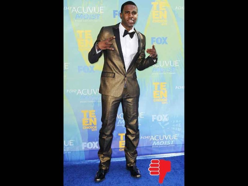 Singer Jason Derulo might be wearing designer, but it looks like a cheap knock-off.