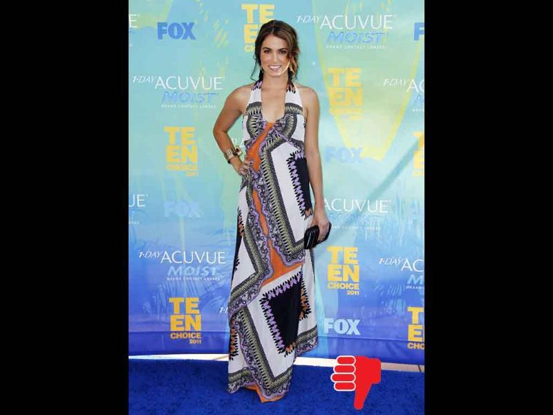 Nikki Reed's Etro dress neither flaunts her figure nor flatters her complexion. Fail!