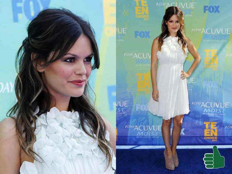 Rachel Bilson, in her white Chloe dress and Brian Atwood booties, kept it simple with minimal makeup and accessories.