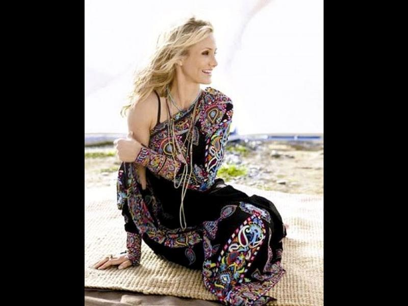 Cameron Diaz wears a beautiful black embroidered designer saree for a photoshoot.