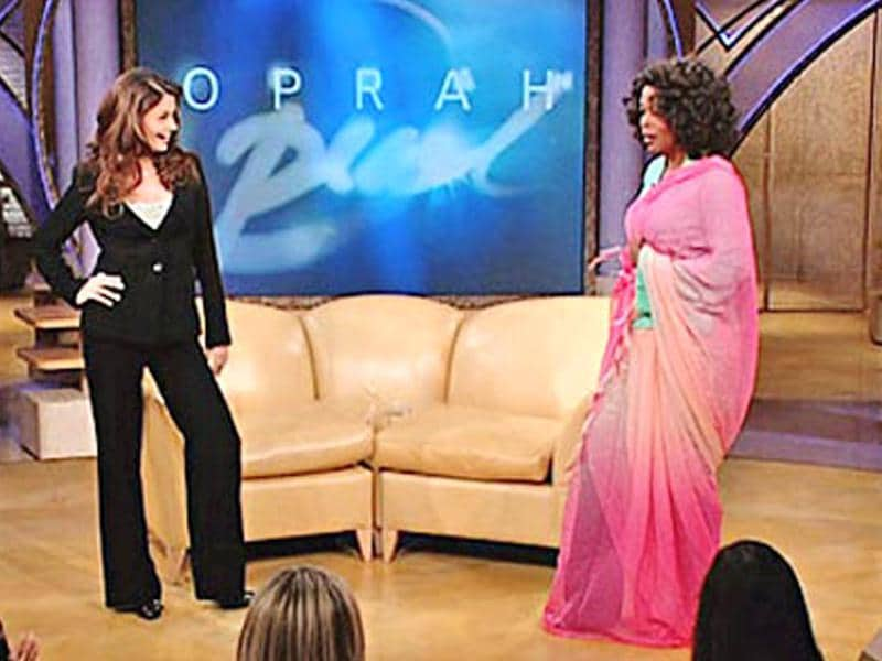 Aishwarya Rai Bachchan came on The Oprah Winfrey Show in 2005 and wrapped the talkshow queen in a pink chiffon saree.