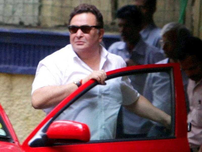 Shammi Kapoor's nephew Rishi Kapoor at his uncle's residence.