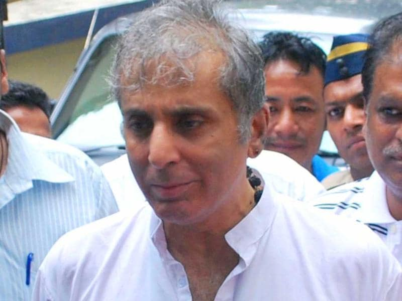 Shammi Kapoor's son Aditya Raj Kapoor mourns his father's death.