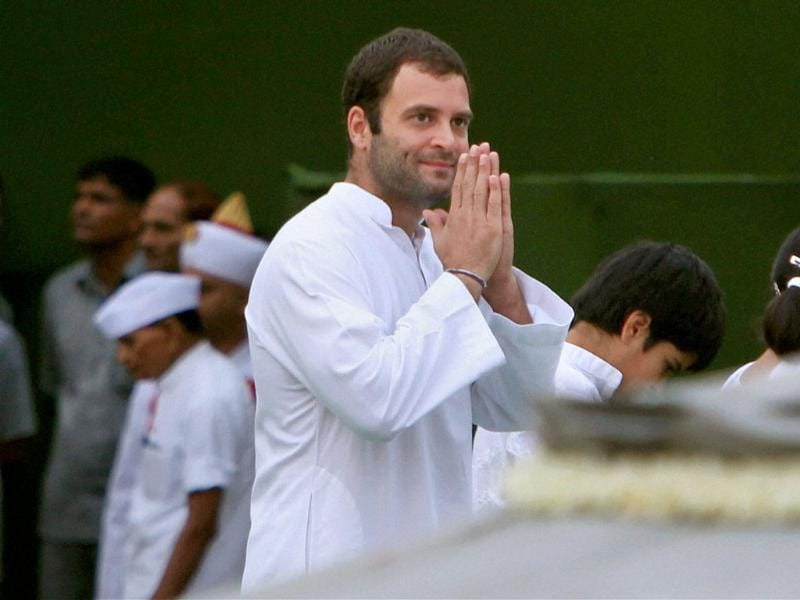 Congress general secretary Rahul Gandhi pays tributes to his father and former prime minister Rajiv Gandhi on his 67th birth anniversary at Vir Bhumi in New Delhi.