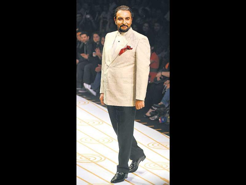 Narendra Kumar's swan song ended the day's shows, with Kabir Bedi as his dignified showstopper.