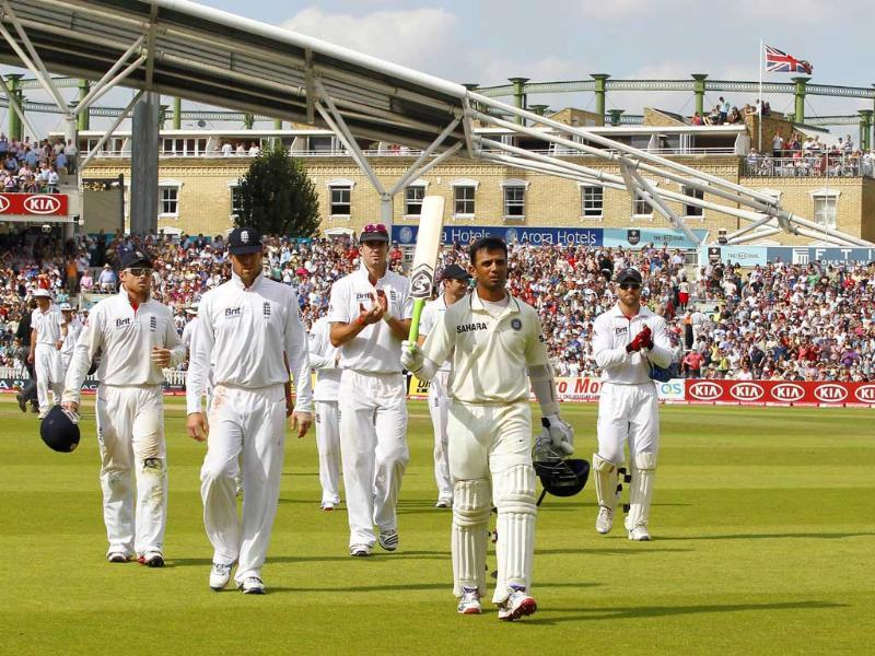 Rahul Dravid acknowledges the crowd after India finishes the innings and he finishes 146 not out during day 4 of their fourth Test match against England at The Oval Cricket Ground in London.