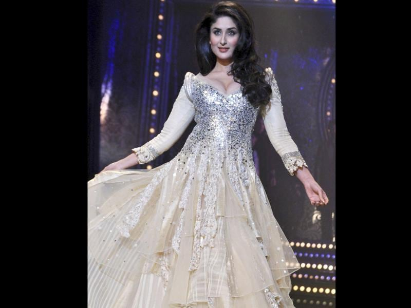 Kareena Kapoor was the rockstar showstoppper for Manish Malhotra's collection at the finale of Lakme Fashion Week Winter/Festive 2011. The star looked ethereal in the designer's creation. Here's a dekko... Follow us at @htShowbiz for more celeb updates