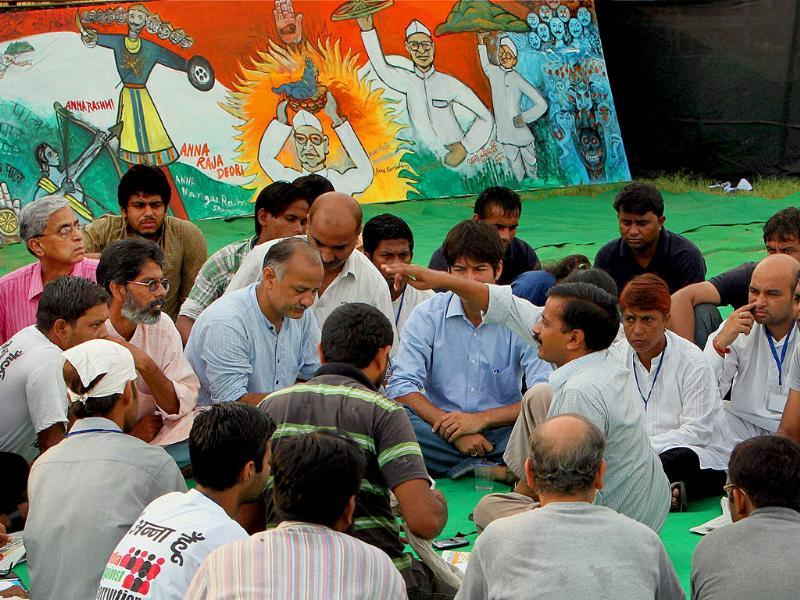 Team Anna during a meeting at Ramlila Ground on the 8th day of their protest against corruption in New Delhi.