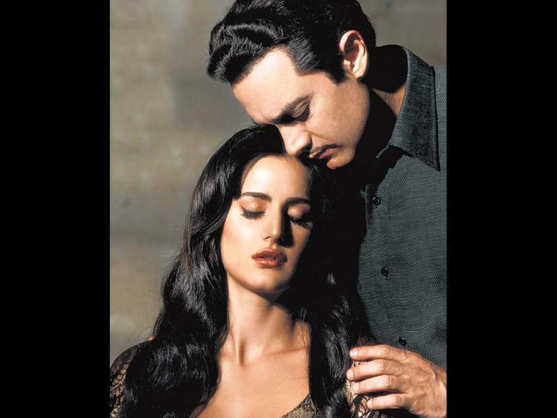 Aamir Khan with Katrina Kaif: After romancing Salman and SRK, Katrina Kaif is ready to take on the third Khan of B-Town. Post Jab Tak Hai Jaan, Katrina has proved herself as a performer. Her chemistry with Aamir Khan is going to be a surprise element of Dhoom:3.