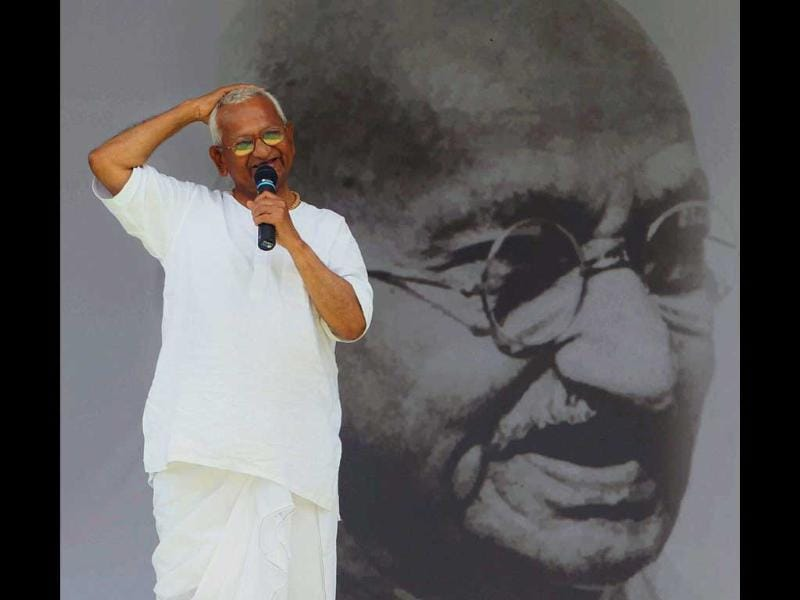 Anna Hazare addressing supporters during the 10th day of his fast against corruption at Ramlila Ground in New Delhi.