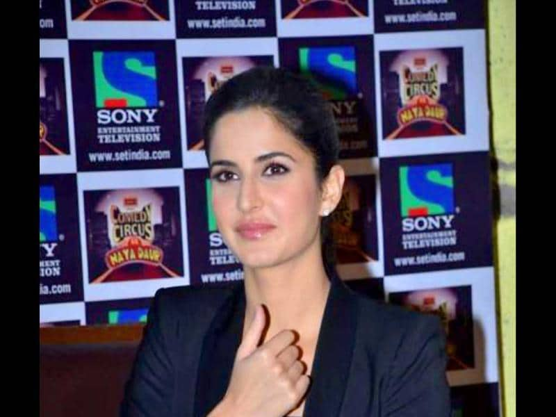 Katrina Kaif promoting Mere Brother Kil Dulhan on Comedy Circus.