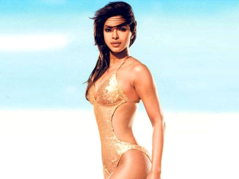 Priyanka Chopra set the beach on fire in this sequined number in Dostana.