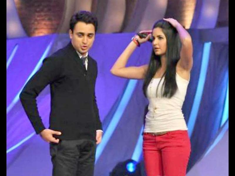 Katrina Kaif and Imran Khan were performing on the sets of dance reality show Just Dance to promote their upcoming film Mere Brother Ki Dulhan. From the duo shaking a leg, to Imran touching Kat's feet, it's all here. Have a look.