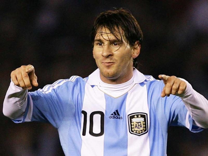 (File) Lionel Messi will lead out Argentina against Venezuela in Kolkata's 120,000-seat Salt Lake stadium on September 2, 2011 as top-class international football finally comes to cricket-crazy India.