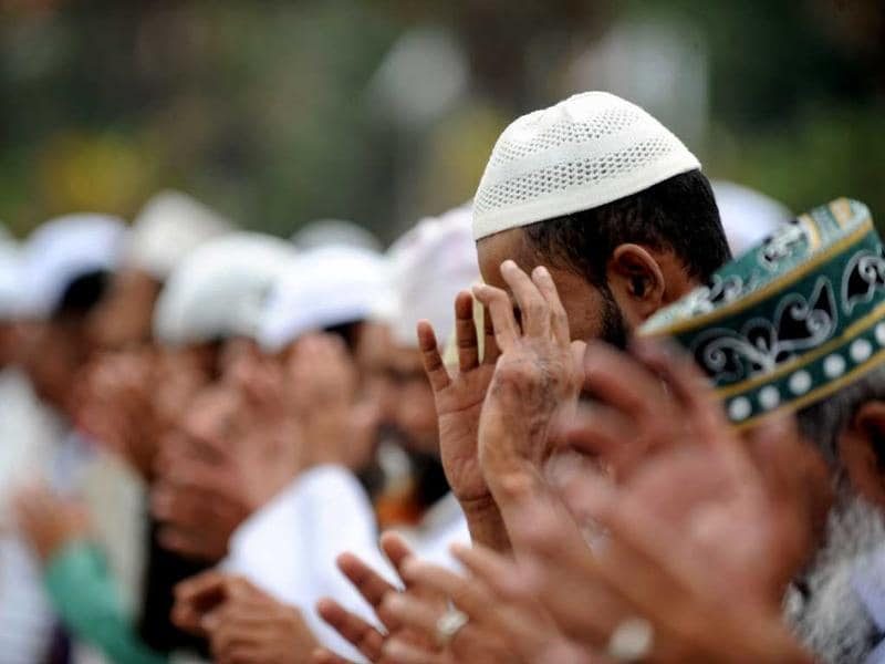 Sri Lankan Muslims pray during Eid al-Fitr celebrations at the Galle Face esplanade in Colombo.