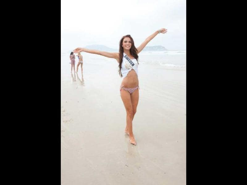 Miss Sweden Ronnia Fornstedt enjoys the beach in Guaruja, Brazil. Photo by AFP/Miss Universe Organization