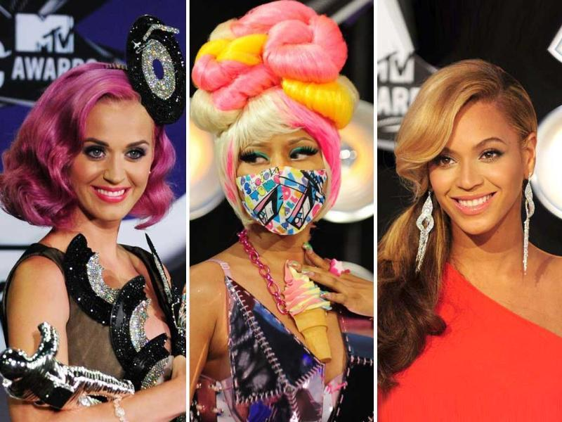 Berry lips and high, pulled-back ponytails ruled supreme on this year's red carpet at the MTV Video Music Awards 2011. Plus, see some truly daring looks on the likes of Katy Perry and Nicki Minaj. Stay clued in, follow us @htShowbiz