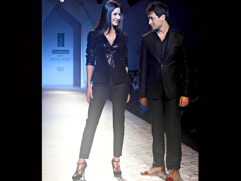 The two, who seem to enjoy some interesting chemistry on screen, can't help goofing off on the ramp.