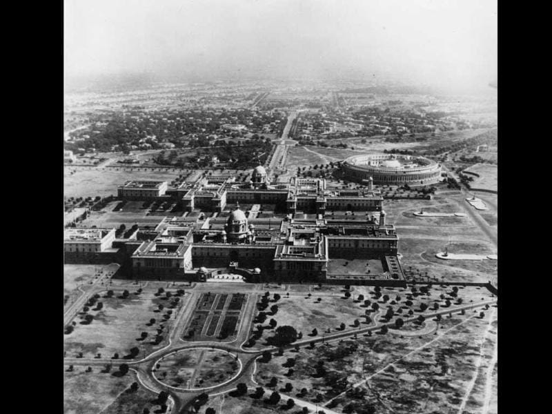 Commissioned much later after the layout of New Delhi was planned, the Parliament House (then called Council House) got a secondary location compared to the Government House and Secretariat.