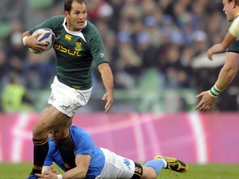 Fourie du Preez. Du Preez is widely seen as the best scrum half in the world. He plays for South Africa.