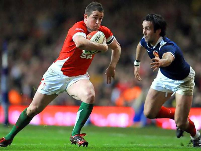 Shane Williams is a Welsh international rugby union player who plays as a wing for the Ospreys and who can also play scrum-half.2008 IRB Player of the Year