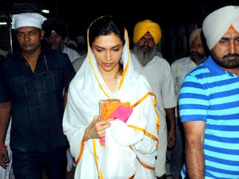 Padukone along with her relatives visited the city to pay their respects at the Sikh shrine.