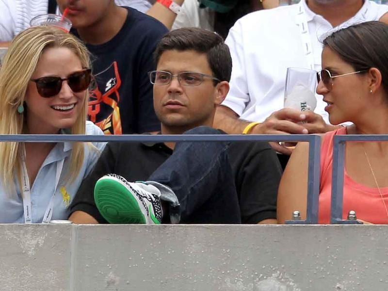 Actor Jerry Ferrara (C) attends Day Eight of the 2011 US Open at the USTA Billie Jean King National Tennis Center.