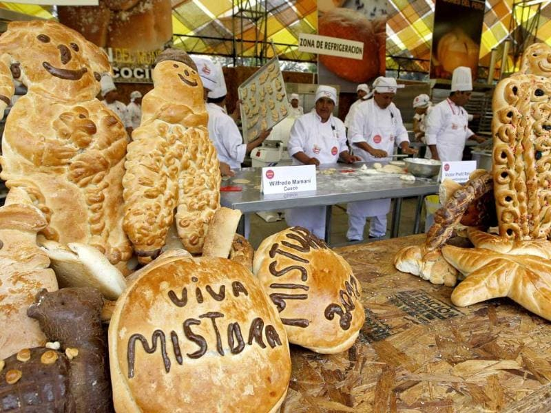 Bakers prepare bread during the gastronomic fair 'Mistura' in Lima.