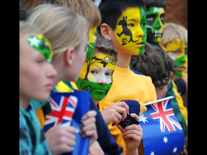 Australian fans await the arrival of the Wallabies during the teams welcoming ceremony in Auckland on September 6, 2011.