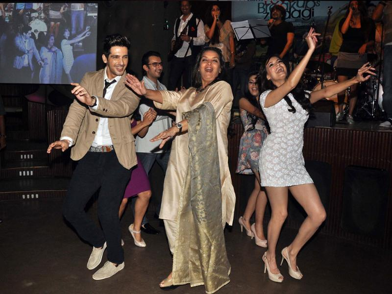 A music launch is incomplete without live performance. Zayed Khan, Dia Mirza and Shabana Azmi shake a leg at the album launch of Love Breakups Zindagi. Here're the best moments of the event.