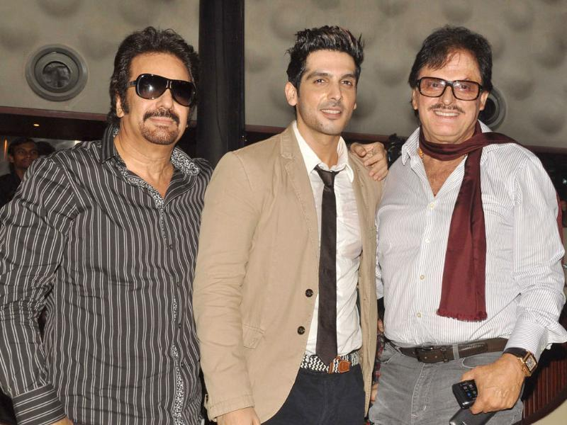 Zayed Khan poses with Akbar Khan and father Sanjay Khan during the music launch ceremony of Love Breakups Zindagi. (AFP)