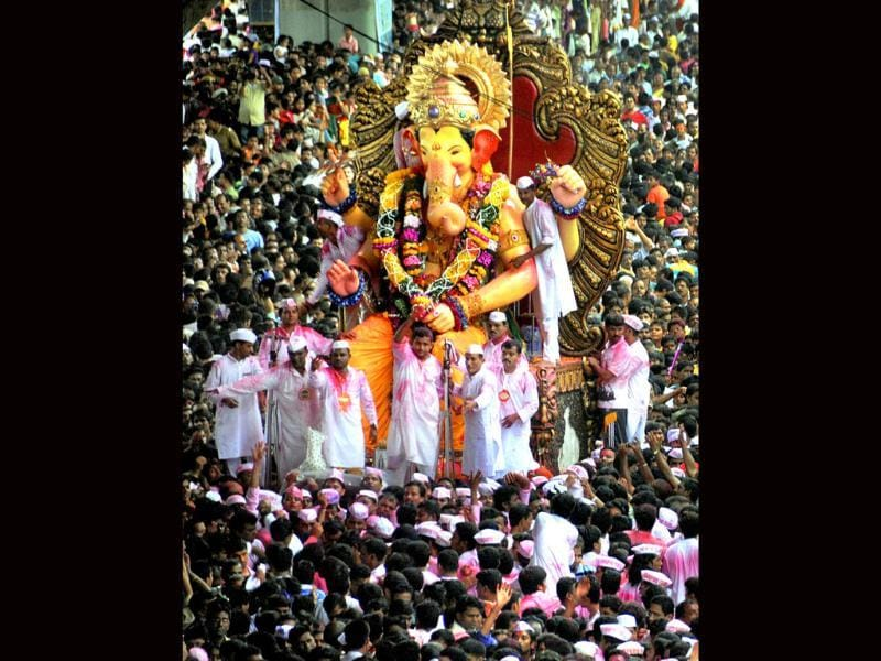 Mumbai's famous Lalbaugcha Raja Ganesh idol on the way to immersion at Girgaum Chowpatty at the end of ten-day long Ganesh festival, in Mumbai.
