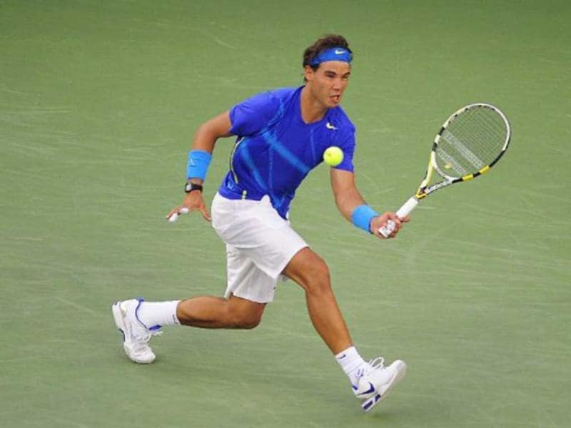Defending champion Rafael Nadal routed former US Open winner Andy Roddick 6-2 6-1 6-3 to make it to the semis.