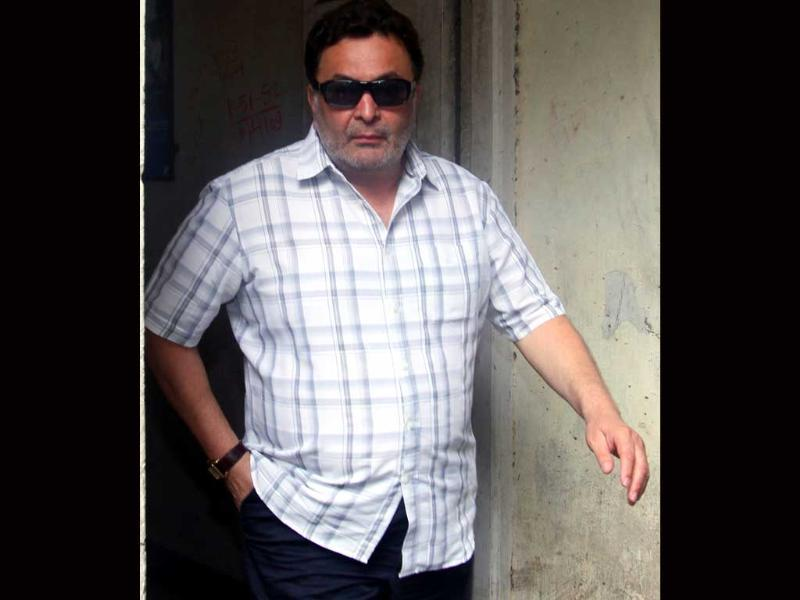 Rishi Kapoor comes to pay regards.